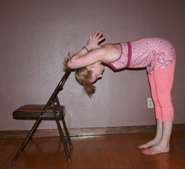 Shoulder stretch, option 2